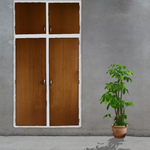 Indbygningsskabe i mahogni til køkkenet med ramme