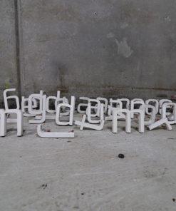 41 akrylbogstaver. Bogstaverne kommer fra Århus Kommune Hospital. Højde 12,5/13 cm. Tykkelse 2 cm.