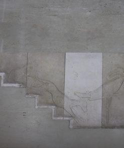 Sandsten fra Rockefeller instituttet. 1 stk 48 x 126 cm, 1 stk 54,5 x 126 cm, 1 stk 55 x 111 cm og 1 stk 48 x 57 cm. 3 af stenene har trappehak, se billeder. Motiver af kat, fabeldyr og hejre. Ca 30 mm tykke.