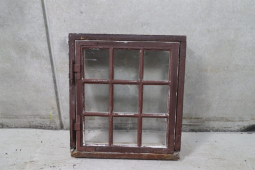 Gammelt små-sprosset vindue 71x79cm